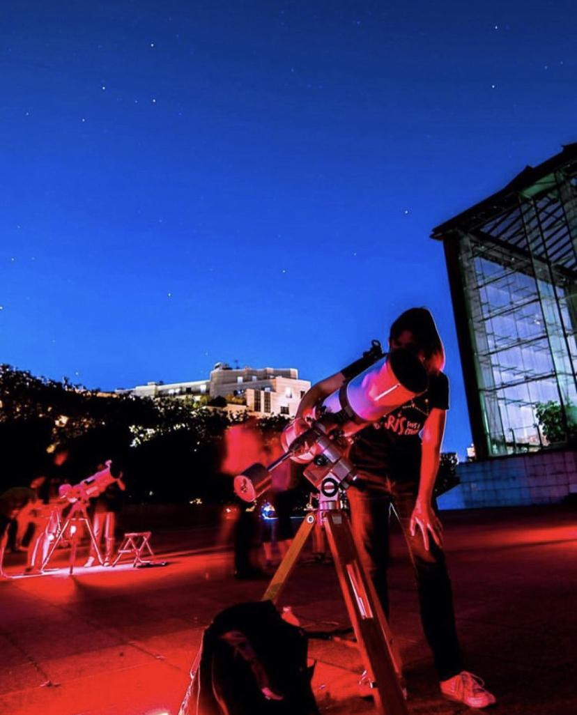 Plusieurs soirées parisiennes pour observer le ciel étoilé