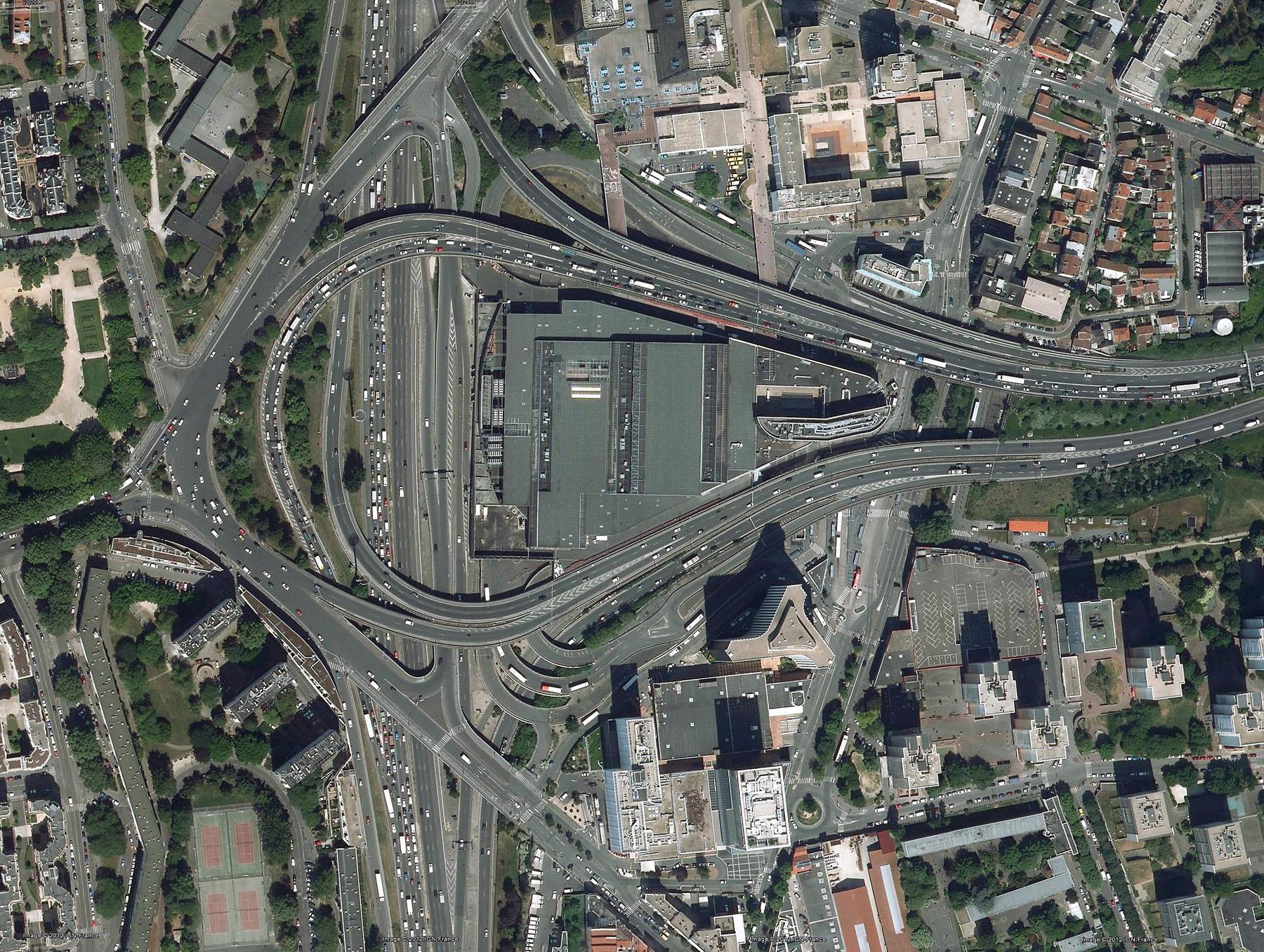 Vu du ciel : l'échangeur de la Porte de Bagnolet