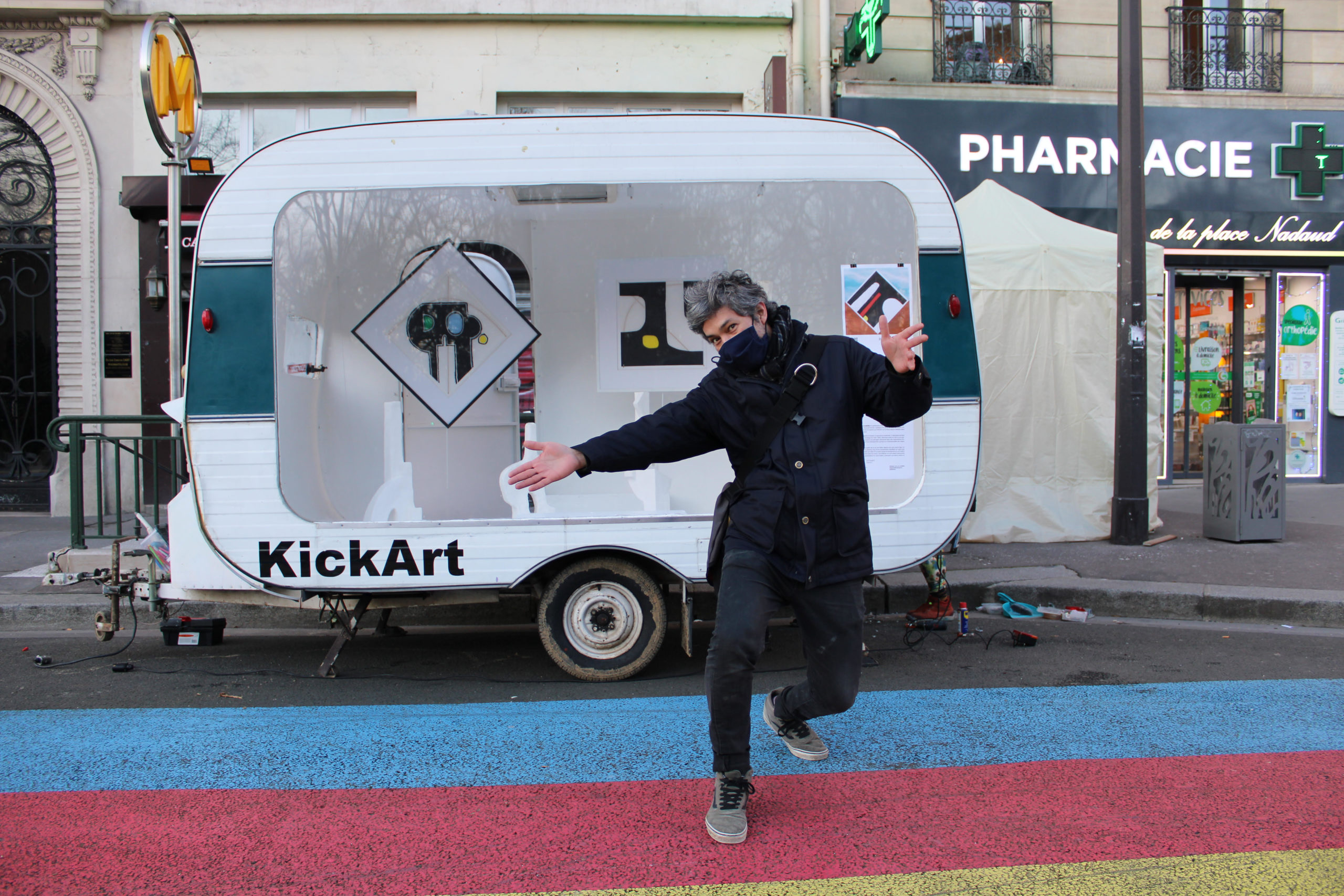 KickArt : une galerie d'art ambulante s'installe place Martin Nadaud