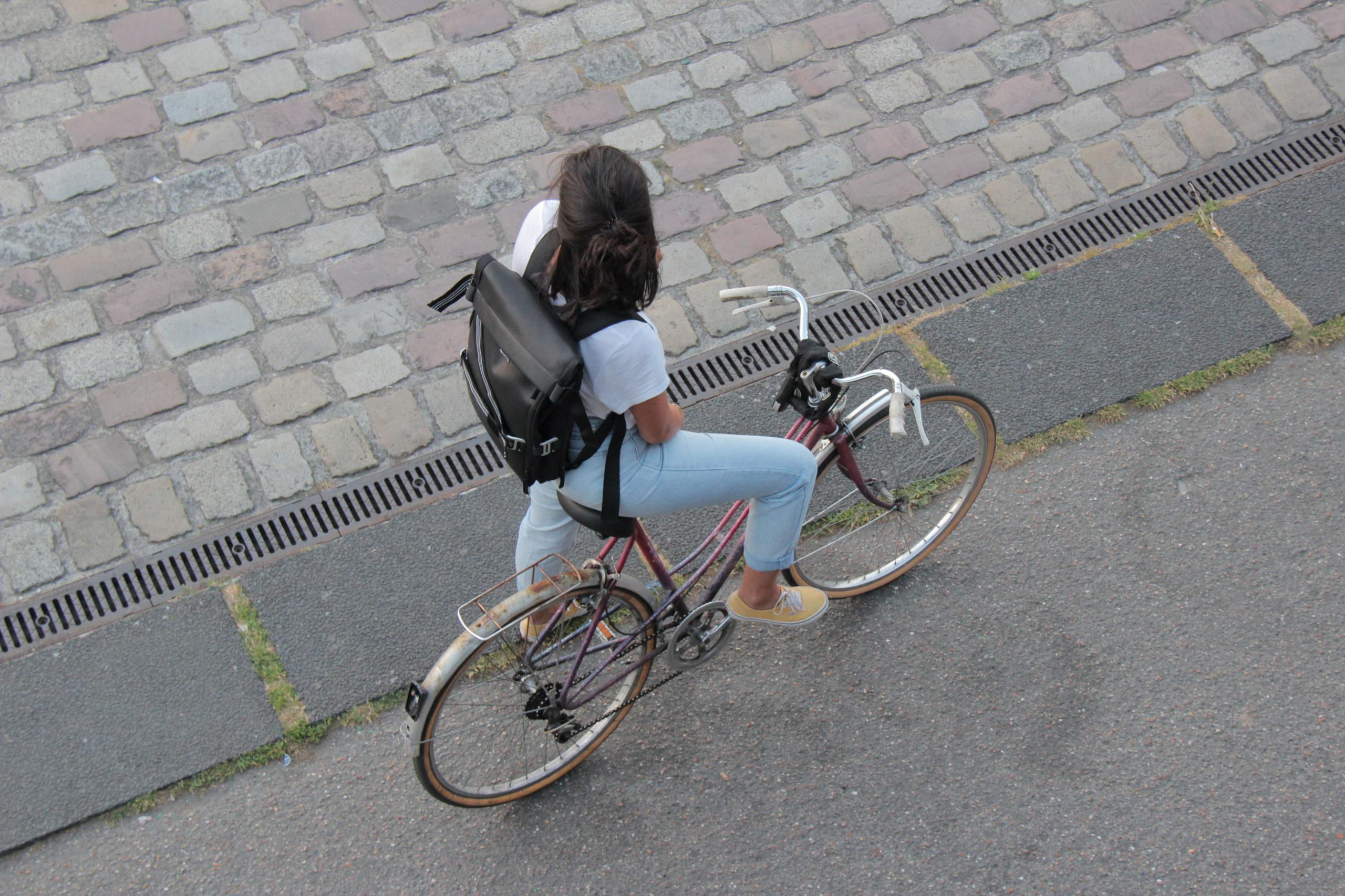 Along Backpack : un sac à dos modulaire imaginé dans le 20e