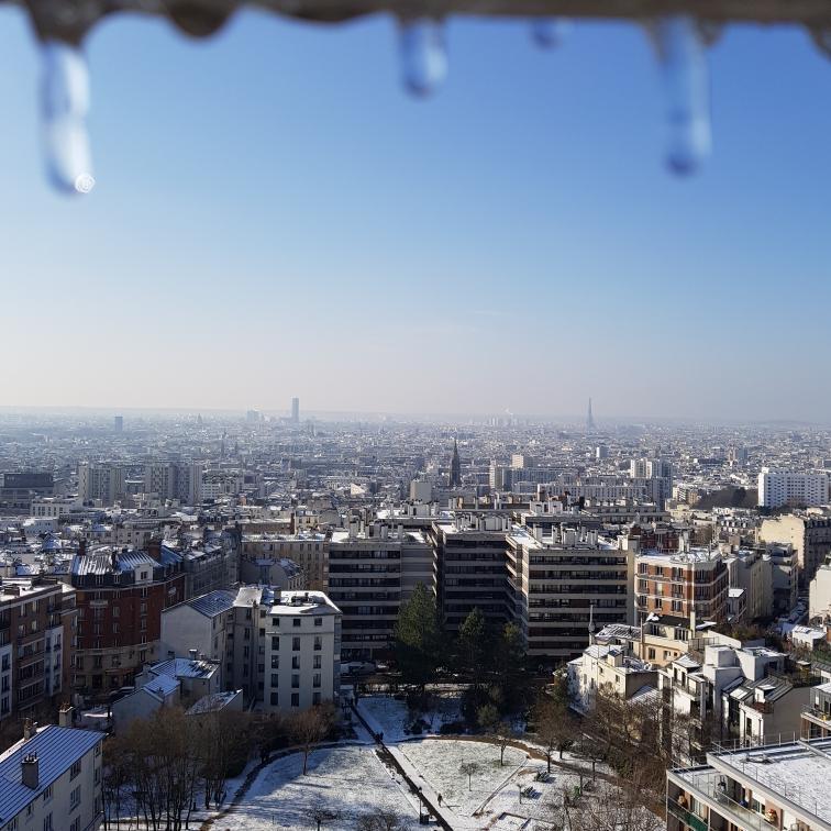 Bébé stalactite : Paris sous la neige, depuis les hauteurs de Ménilmontant
