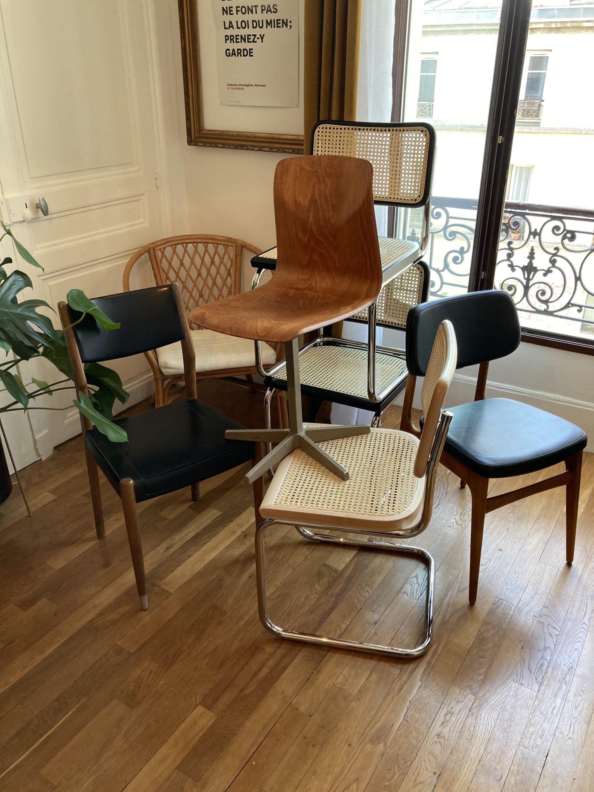 """Le """"Cabinet de Belleville"""" : le spécialiste des chaises vintage d'occasion"""