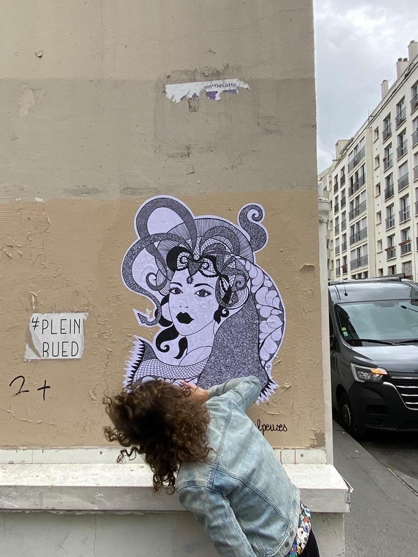 Street art : découvrez les poulpeuses, ces créatures puissantes, farouches et sensuelles