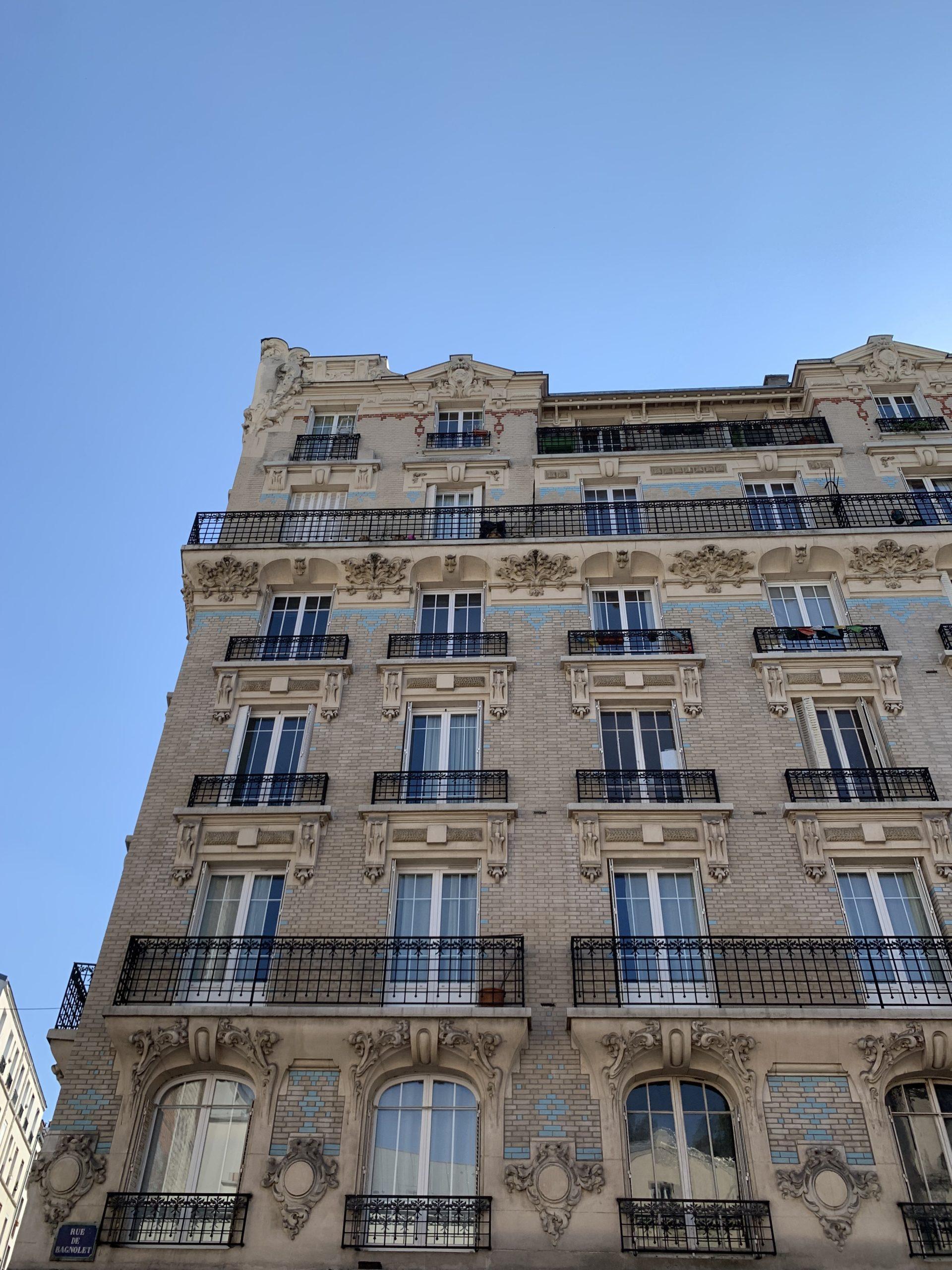 L'immeuble Belle Epoque aux briques bleues, 24 rue de Bagnolet